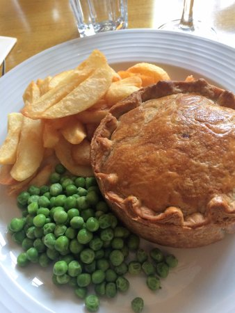 Staunton on Wye, UK: Best steak & ale, lovely pastry (ask for more gravy)