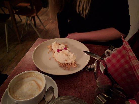 cafe Het gouden hoofd : Pastinaakijs