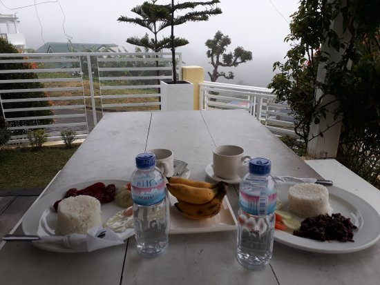 Tagaytay Lake View Villa: 20170218_074001_large.jpg