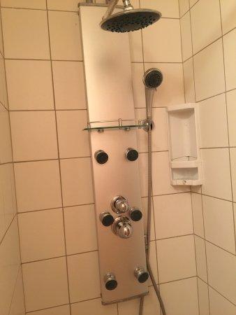 Asnelles, Frankrijk: shower