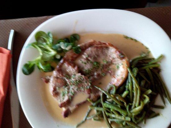 Le Bas Fort Blanc: rouelle agneau (au menu)