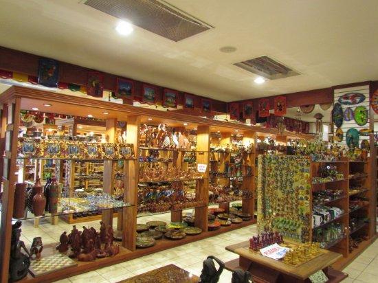 Sarchi, Costa Rica: Inside the store