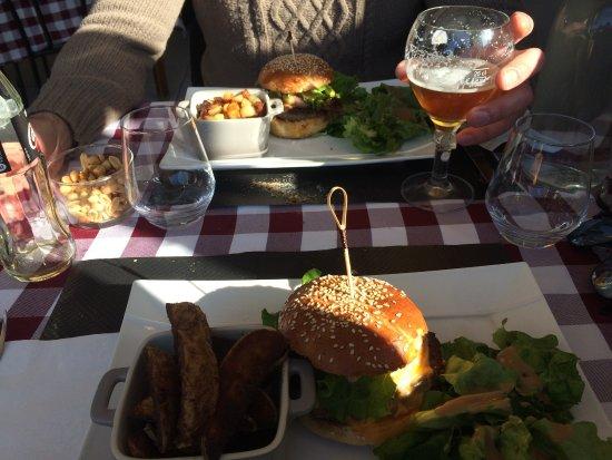 Les pieds sous la table la rochelle restaurant avis num ro de t l phone photos tripadvisor - La table basque la rochelle ...