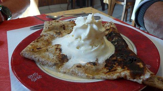 Languidic, Francia: crêpe flambée