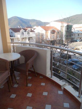 Hotel Max Prestige : Prostrane terase sa odlicnim pogledom