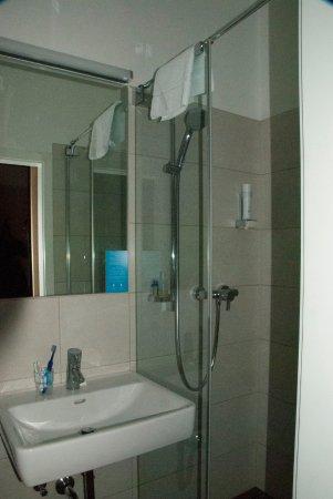 Very small but good bathroom, (Hotel Markus Sittikus)