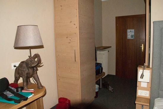 Room and entry area( Hotel Markus Sittikus)