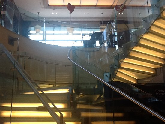 Four Points by Sheraton Le Verdun: Staircase well designed