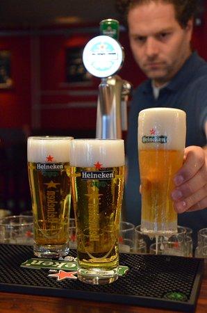 Doetinchem, Países Bajos: Heerlijk, een goed getapt biertje