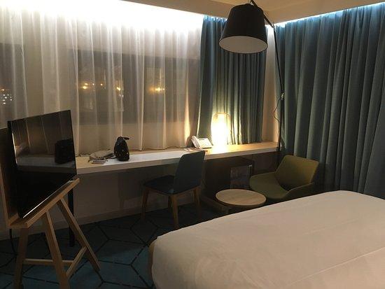 Hôtel Mercure Nantes Centre Gare : Très Belle Chambre Du0027hôtel Agréable Et à  La