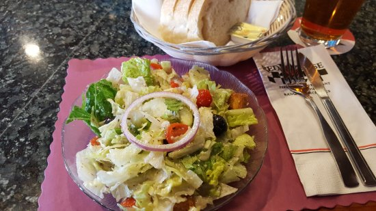 Red Rose Pizzeria: House Salad & Bread
