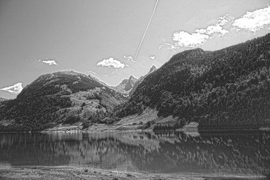Innerthal, سويسرا: Wägitalersee mit Blick auf Brünnelistock und r. Zindlenspitz