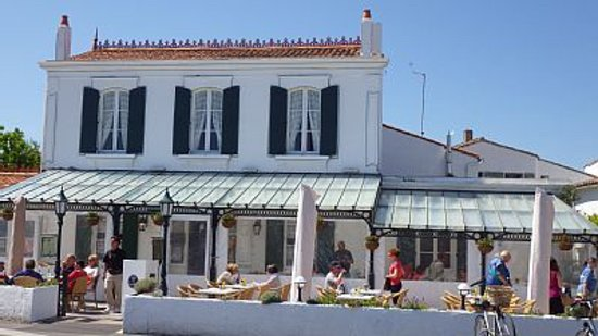 good restaurant review of cafe du commerce ars en re france