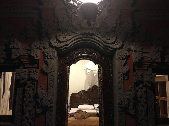 Hibiscus Cottages: The door of room 6