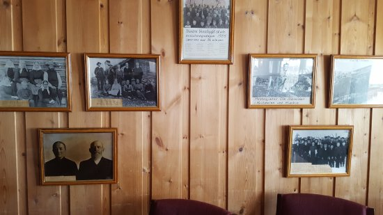 Municipio de Ringebu, Noruega: Old photos in TV room