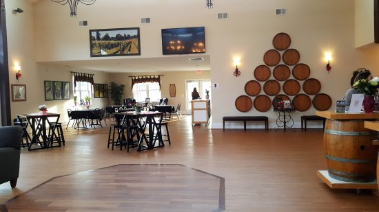 Leesburg, VA: Newer Tasting Room