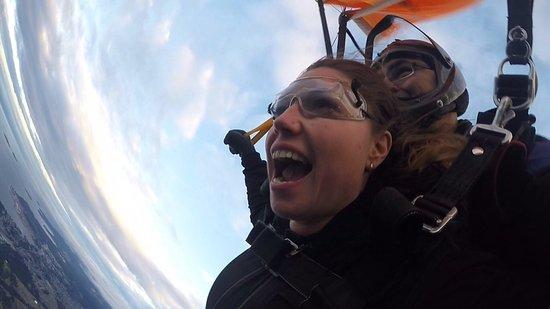 Qualicum Beach, Canada: Joy and laughter under parachute