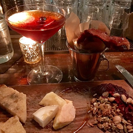 North Easton, MA: Cheese plate, bucket o'bacon, Manhattan...