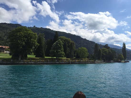 Thun, Suisse : Stunning views on the boat trip!