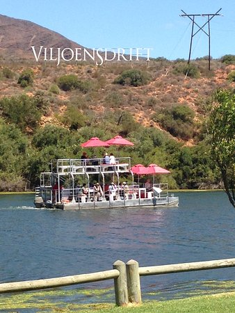 Robertson, Zuid-Afrika: River boat and farm sign