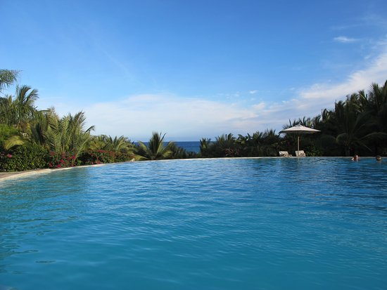 Swahili Beach Resort: the pool snakes along the length of the hotel, and is very enticing