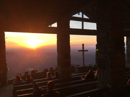 Cedar Mountain, Carolina do Norte: Sunrise from Symmes Chapel