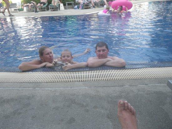 ibis Phuket Kata: бассейн