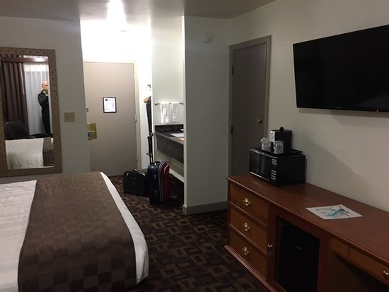Moses Lake, WA: room 131