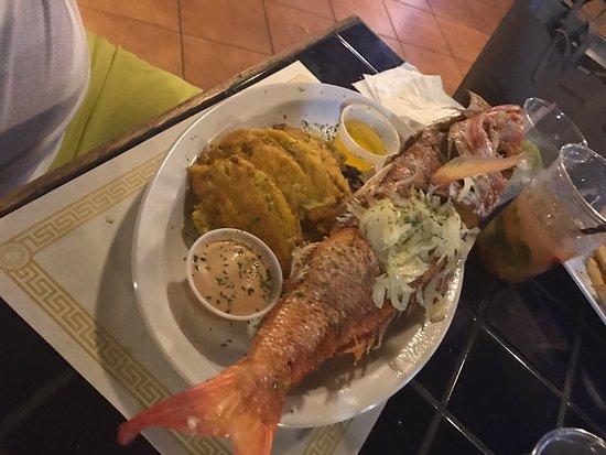 Mahi Mahi Restaurant and Bar: photo0.jpg