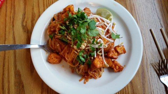 Irondequoit, Estado de Nueva York: Tofu Pad Thai, Vegan