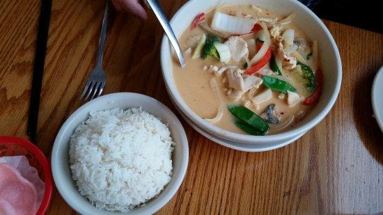 Irondequoit, NY: Panang Chicken, great flavors