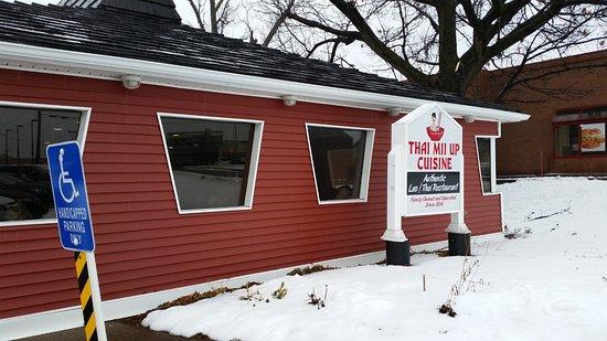 Irondequoit, Estado de Nueva York: Outside of restaurant, old Pizza Hut