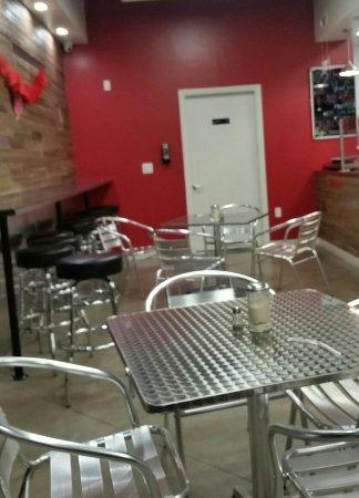 Los Alamitos, CA: Dining room