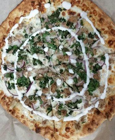 Los Alamitos, CA: Chicken shwarma pizza