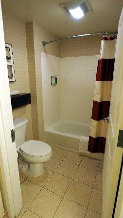Dulles, VA: The bathroom in room 328