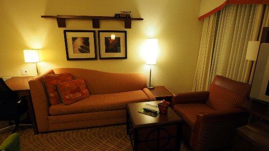 Dulles, VA: The den in room 328