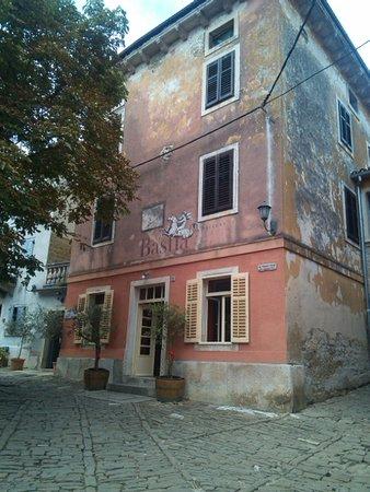 Groznjan, Croatia: caserma
