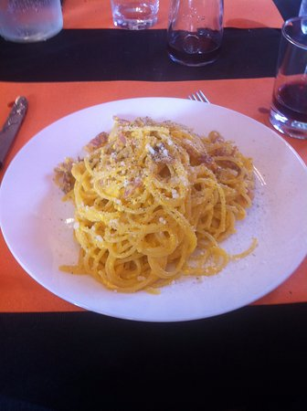 Pavona, İtalya: carbonara