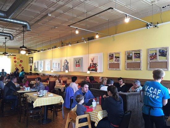 Wadsworth, OH: main dining area