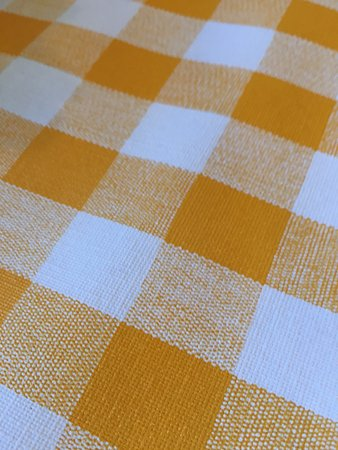 Valley Cafe: Cheerful Table Covering