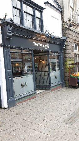 Ashby-de-la-Zouch, UK: Front of Micro Pub
