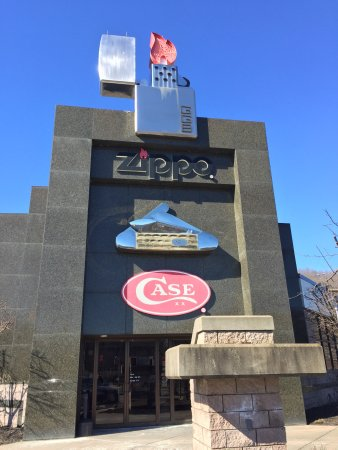 Bradford, Pensilvania: The zippo case museum was more than we expected