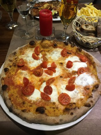 Origlio, Switzerland: Pizza Bufalina ai 7 cereali