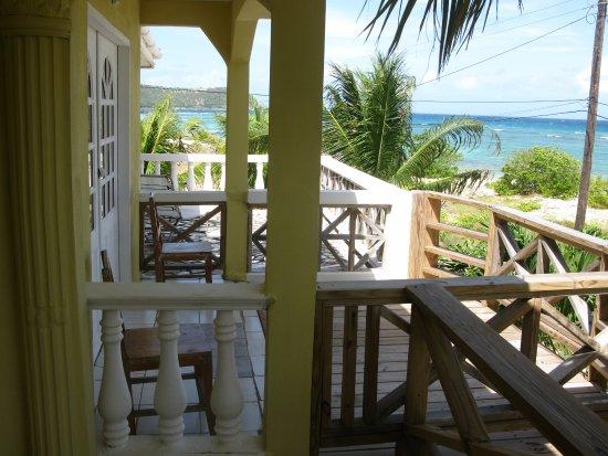 The Islander's Inn: Balconies overlooking Caribbean & Mayreau Island