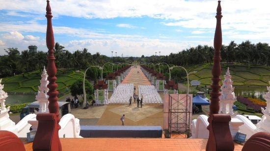 Royal Park Rajapruek: features in the park