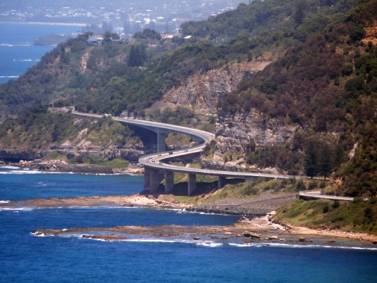 Wollongong, Australia: Sea Cliff bridge