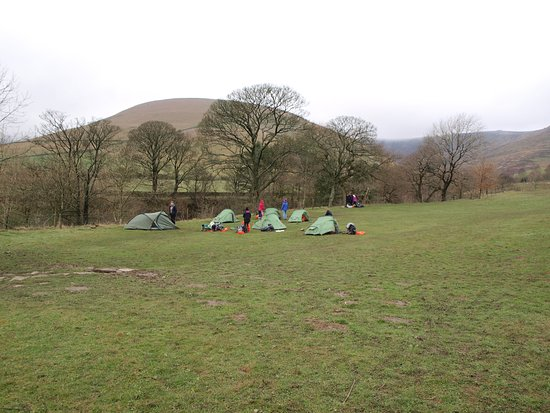 Edale, UK: big camp field
