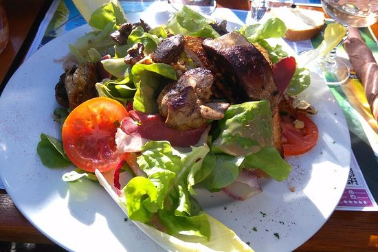 Haute-Savoie, Francia: Chicken Liver and Duck salad