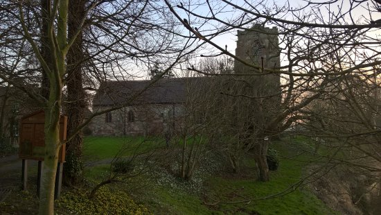 Atcham, UK: Church To The Rear Of Hotel