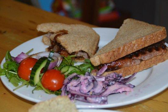 Tir na nOg: Sandwich and Salad